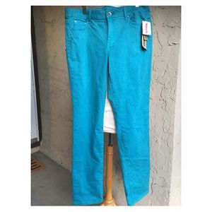 New! DKNY Skinny Jeans